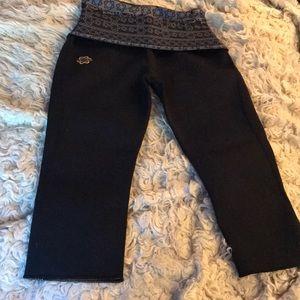 Zaggora neoprene Capri L black fold over waist NEW